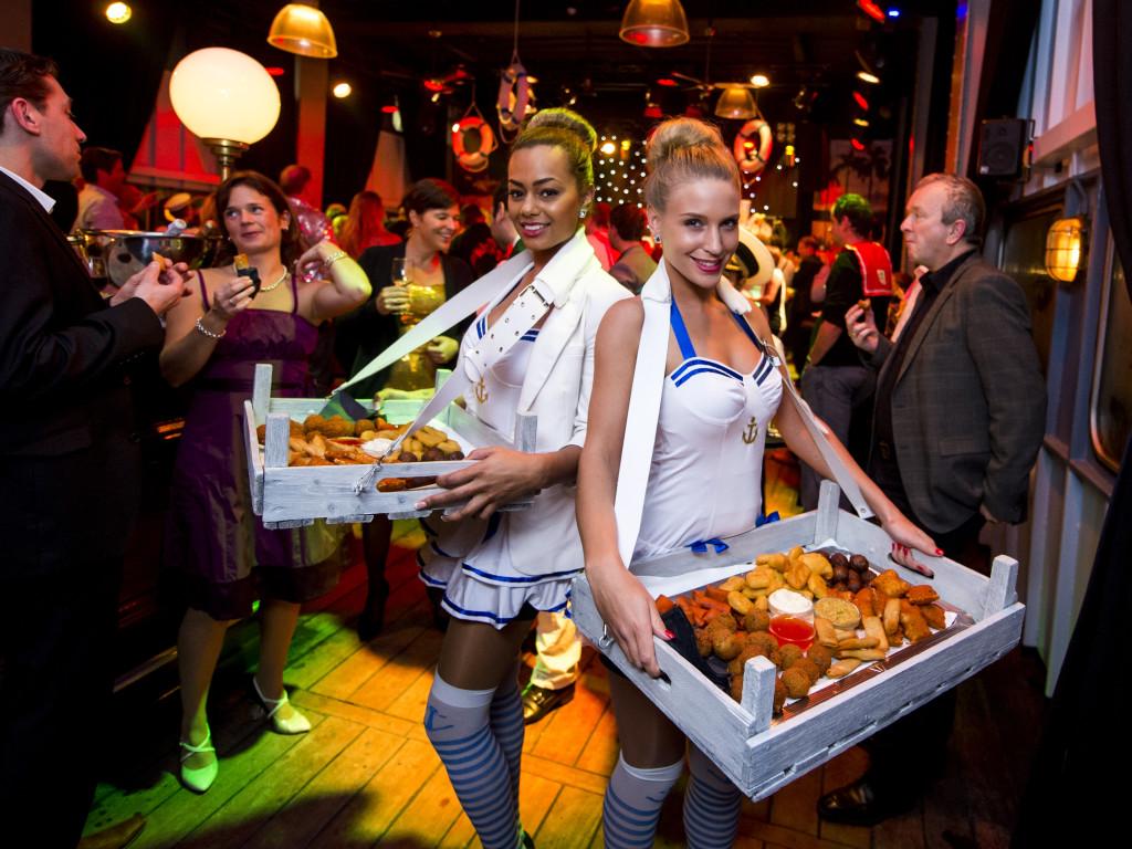 Partyservice. Loveboat. Aegon. De Ameland, 26 november 2014. Foto Marco De Swart